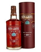 New Grove 10 år Old Tradition fra Mauritius indeholder 70 centiliter rom med 40 procent alkohol